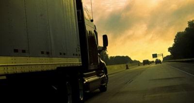 Автомобильные перевозки грузов по Москве и России перевозки  Перевозки автомобильным транспортом позволяют доставить груз в самые отдаленные регионы России